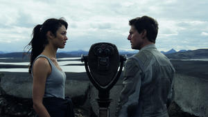 Tom Cruise und Olga Kurylenko in 'Oblivion'