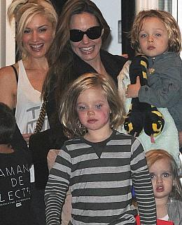 angelina jolie besuch gwen stefani kinder schminken anmalen make up