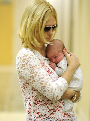 January Jones Baby Vaterschaft