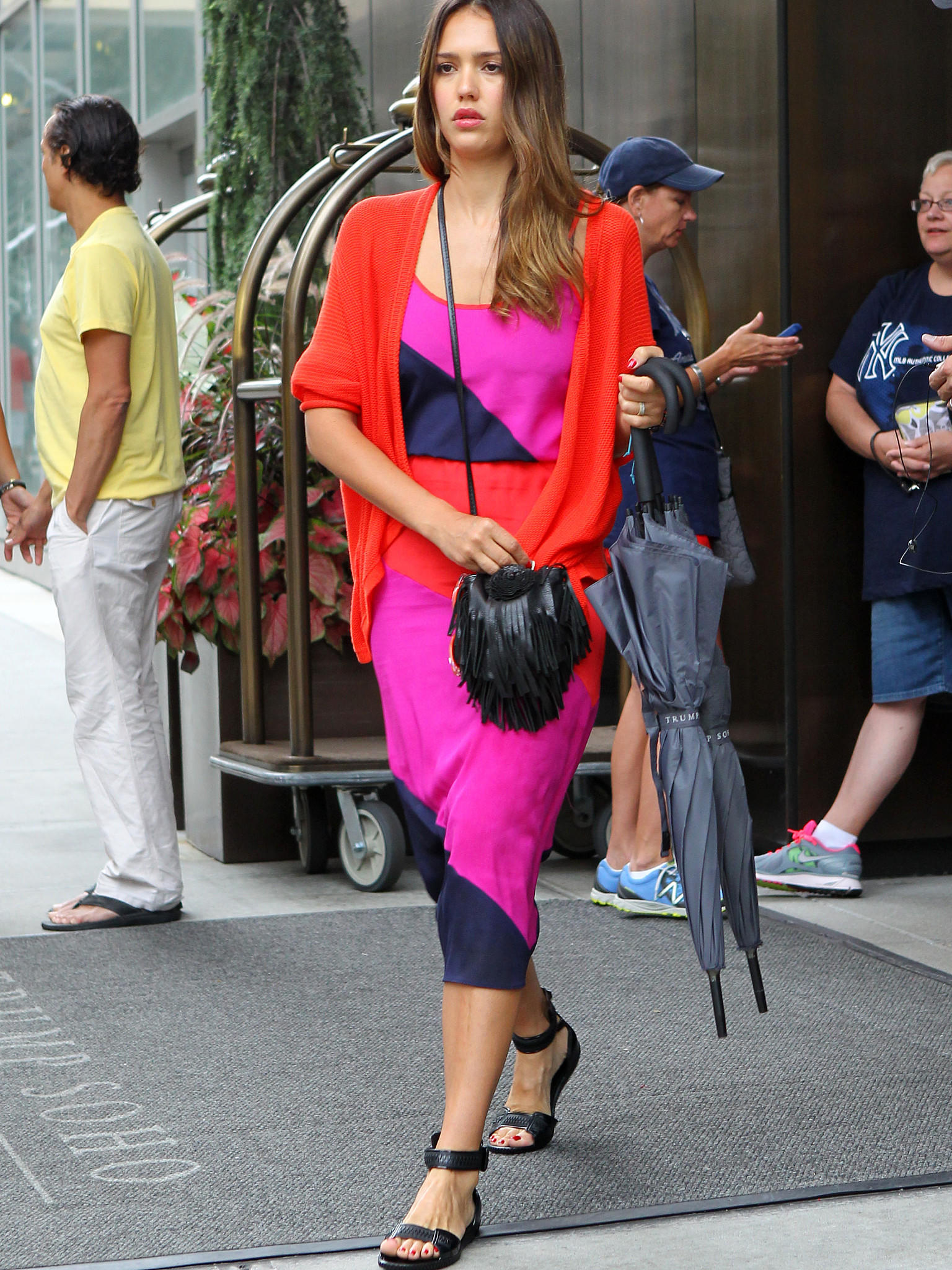 Colour-Blocking Mode Trend Fashion Style