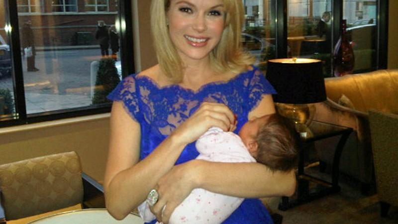 Amanda Holden mit ihrem Baby Hollie Rose