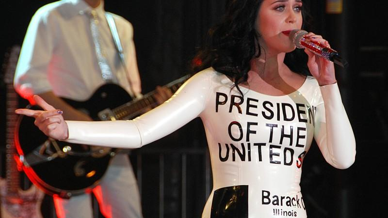 Katy Perry als lebender Obama-Wahlzettel