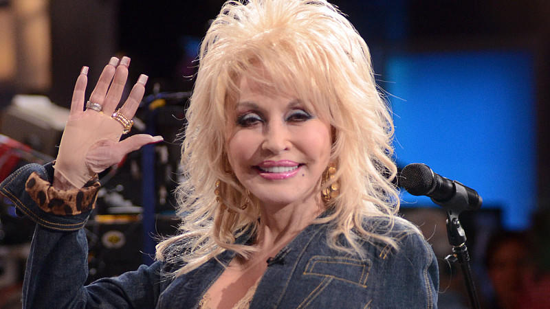 Prominent Dolly Parton im Interview