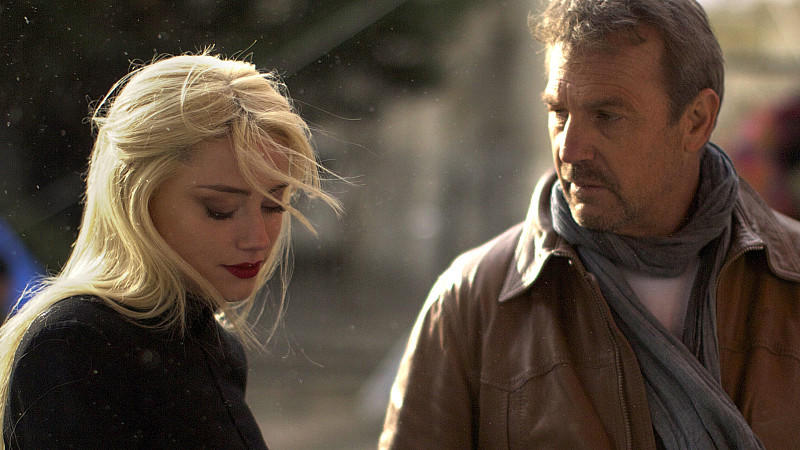 Kevin Costner und Hailee Steinfeld in 3 Days To Kill