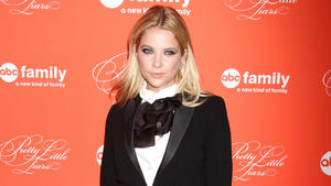 Ashley Benson: Depressive Drinks mit Hudgens