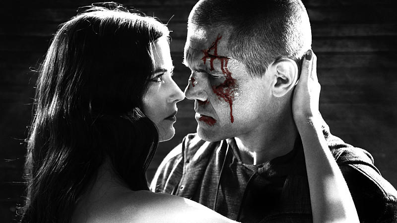 Sin City 2: A Dame To Kill For: Ava (Eva Green) macht Dwight (Josh Brolin) alles.