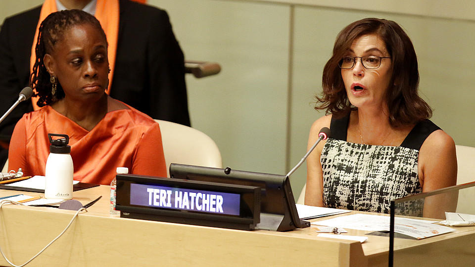 Vor den Vereinten Nationen in New York hielt Teri Hatcher eine bewegende Rede.