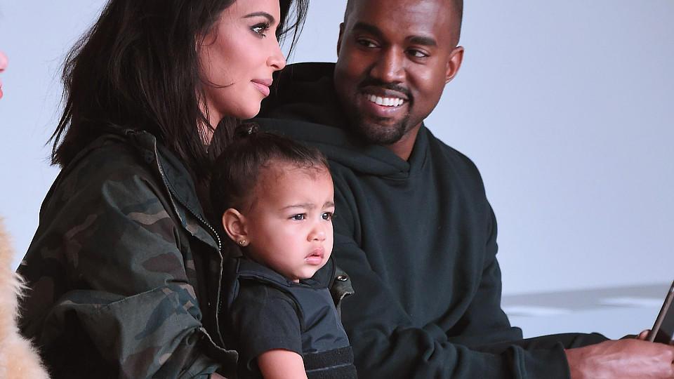 Kanye west findet romantische worte f 252 r seine liebste kim kardashian