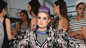 Kelly Osbourne kündigt bei 'Fashion Police'