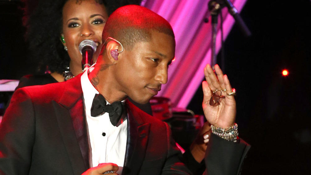 Pharrell Williams erteilt Selfie-Verbot
