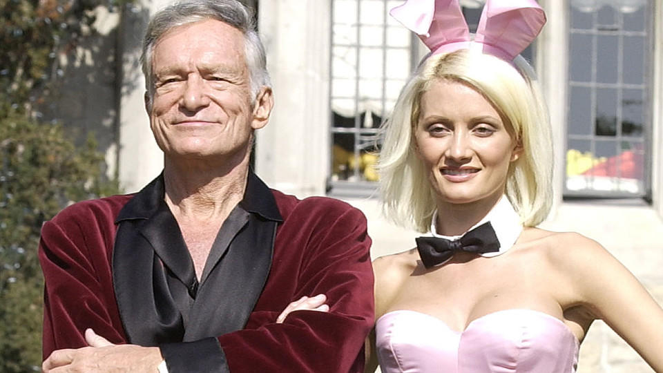 Holly Madison und Hugh Hefner in 2003.