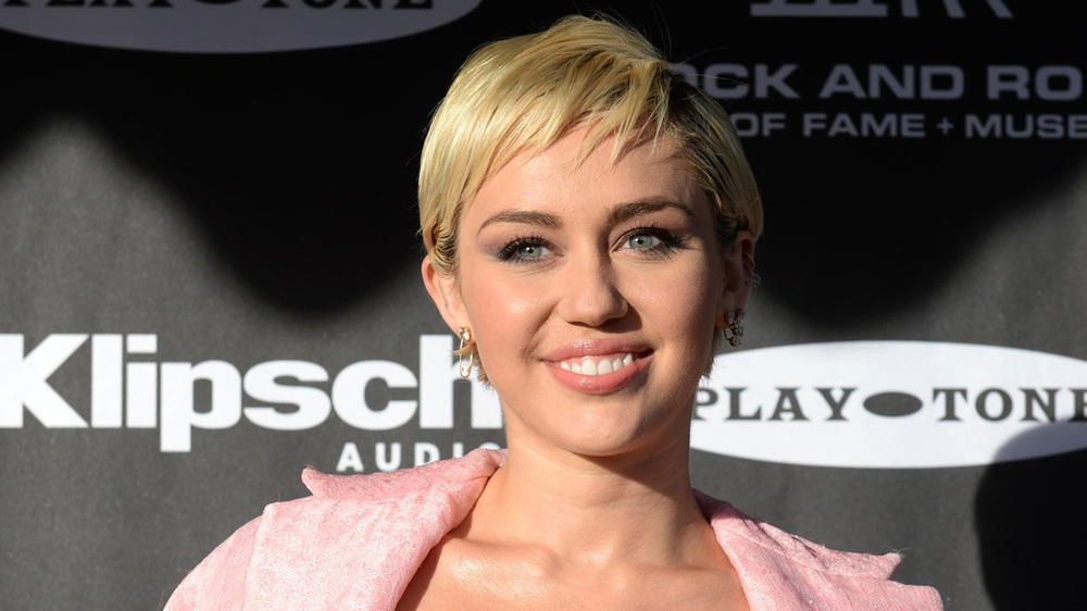 Miley Cyrus greift Pop-Prinzessin Taylor Swift an