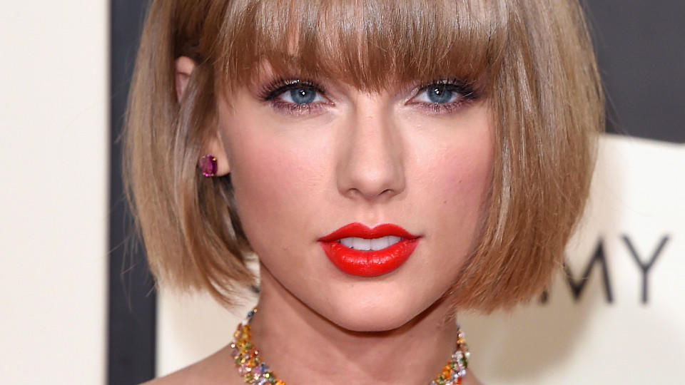 taylor swift welches haarstyling steht ihr am besten. Black Bedroom Furniture Sets. Home Design Ideas