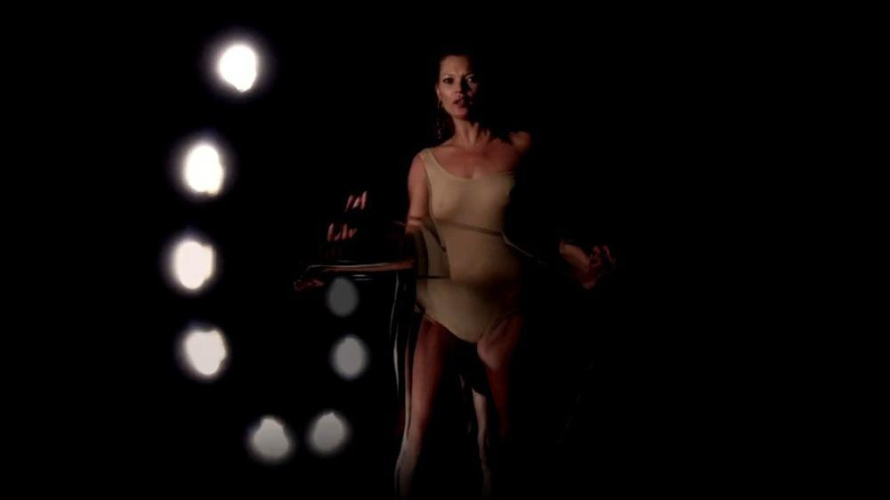 """Ritual Spirit"": Kate Moss performt in neuem Massive-Attack-Video"