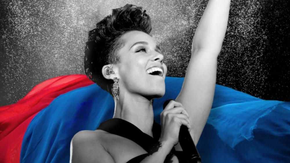 Alicia Keys performt beim Champions-League-Finale