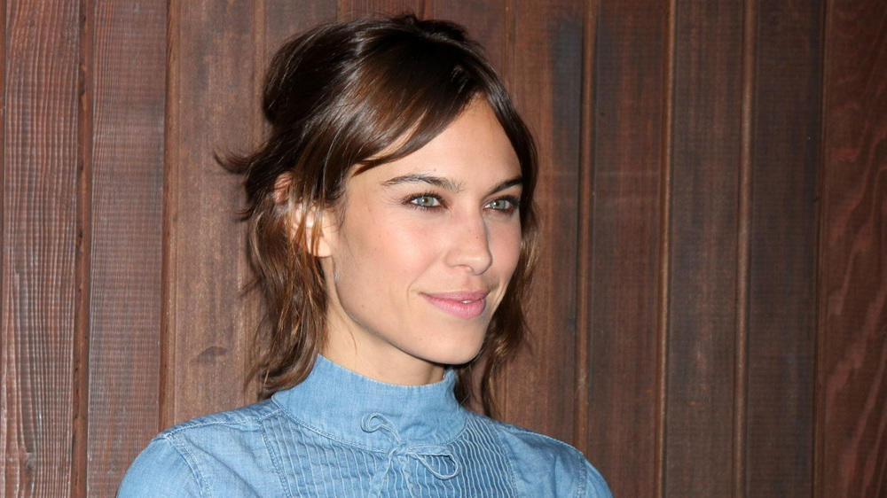 alexa chung bringt eigene modelinie auf den markt. Black Bedroom Furniture Sets. Home Design Ideas