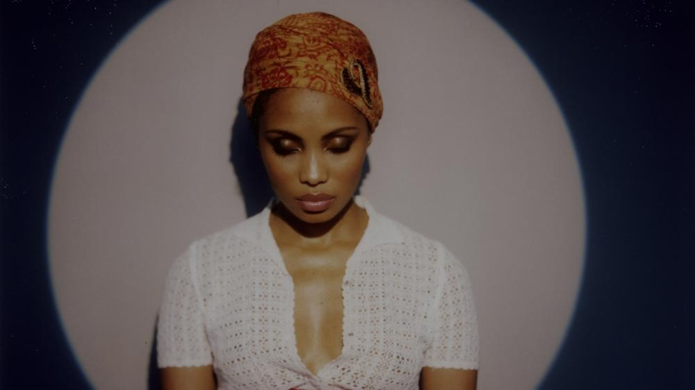 "Imany landet mit ""Don't Be So Shy"" den Sommerhit 2016"