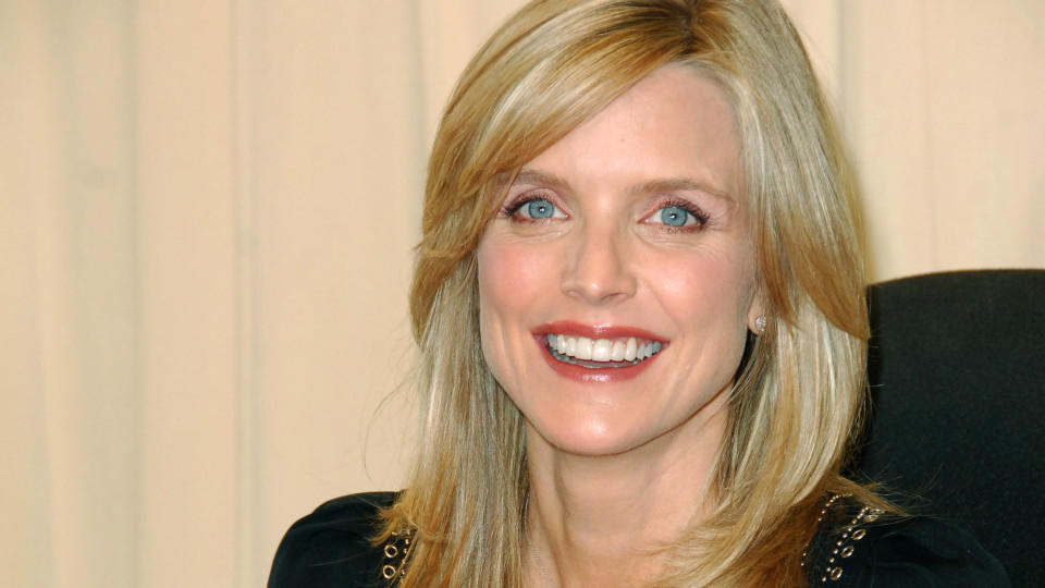 Früher war <b>Courtney Thorne-Smith</b> sehr schüchtern - courtney-thorne-smith-die-serienschoenheit