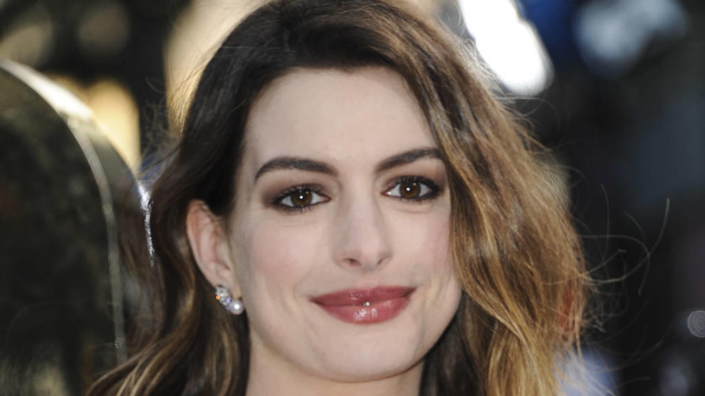 Anne Hathaway: Mit Rihanna in 'Ocean's Eight'?