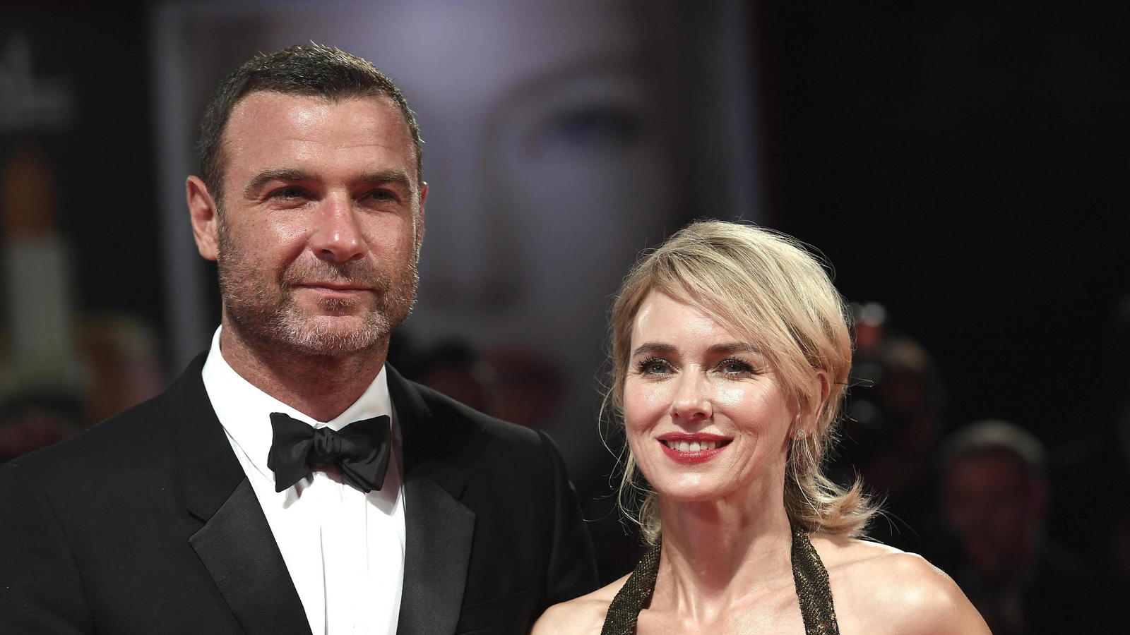 epa05521103 US actor Liev Schreiber (L) and British actress Naomi Watts (R) arrive for the premiere of 'The Bleeder' during the 73rd Venice Film Festival in Venice, Italy, 02 September 2016. The festival runs from 31 August to 10 September. EPA/CLAUD
