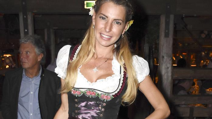 Giulia Siegel in der Käfer Wiesn-Schänke auf dem Oktoberfest 2016. München, 21.09.2016 Foto:xP.xSchönbergerx/xFuturexImageGiulia Seal in the Beetle Oktoberfest Schänke on the Oktoberfest 2016 Munich 21 09 2016 Photo XP xSchönbergerx xFuturexImage