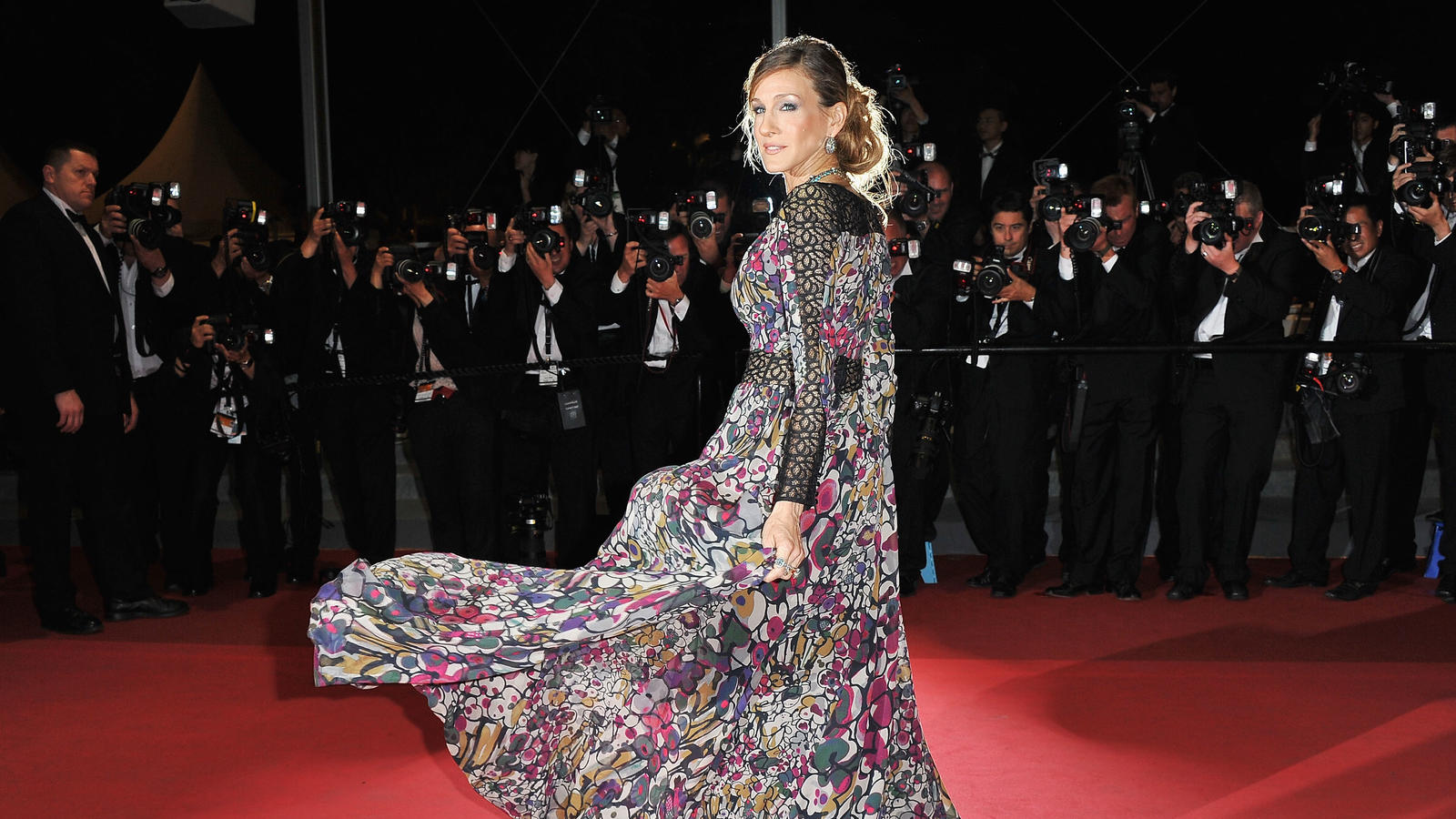 "CANNES, FRANCE - MAY 13:  Actress Sarah Jessica Parker attends the ""Wu Xia""  premiere at the Palais des Festivals during the 64th Cannes Film Festival on May 13, 2011 in Cannes, France.  (Photo by Pascal Le Segretain/Getty Images)"