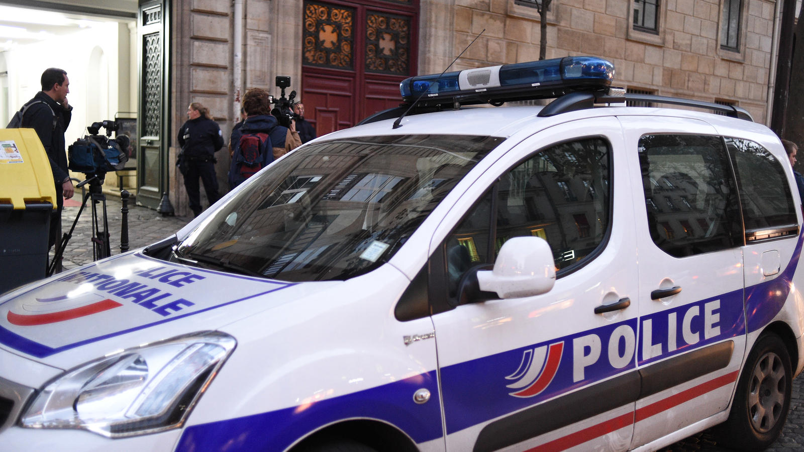 BREAKING NEWS:Kim Kardashian is held up by gunpoint at her Paris apartment in the early hours of sunday morning, General views of police attending her apartment, detectives inside photographing the scene.