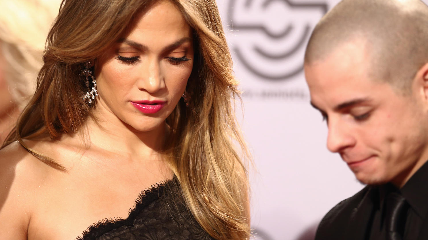 DUSSELDORF, GERMANY - OCTOBER 27:  Jennifer Lopez and partner Casper Smart attend the 21st UNESCO Charity Gala 2012 on October 27, 2012 in Dusseldorf, Germany.  (Photo by Andreas Rentz/Getty Images)
