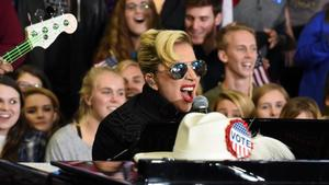 Lady Gaga protestiert vor Trump Tower