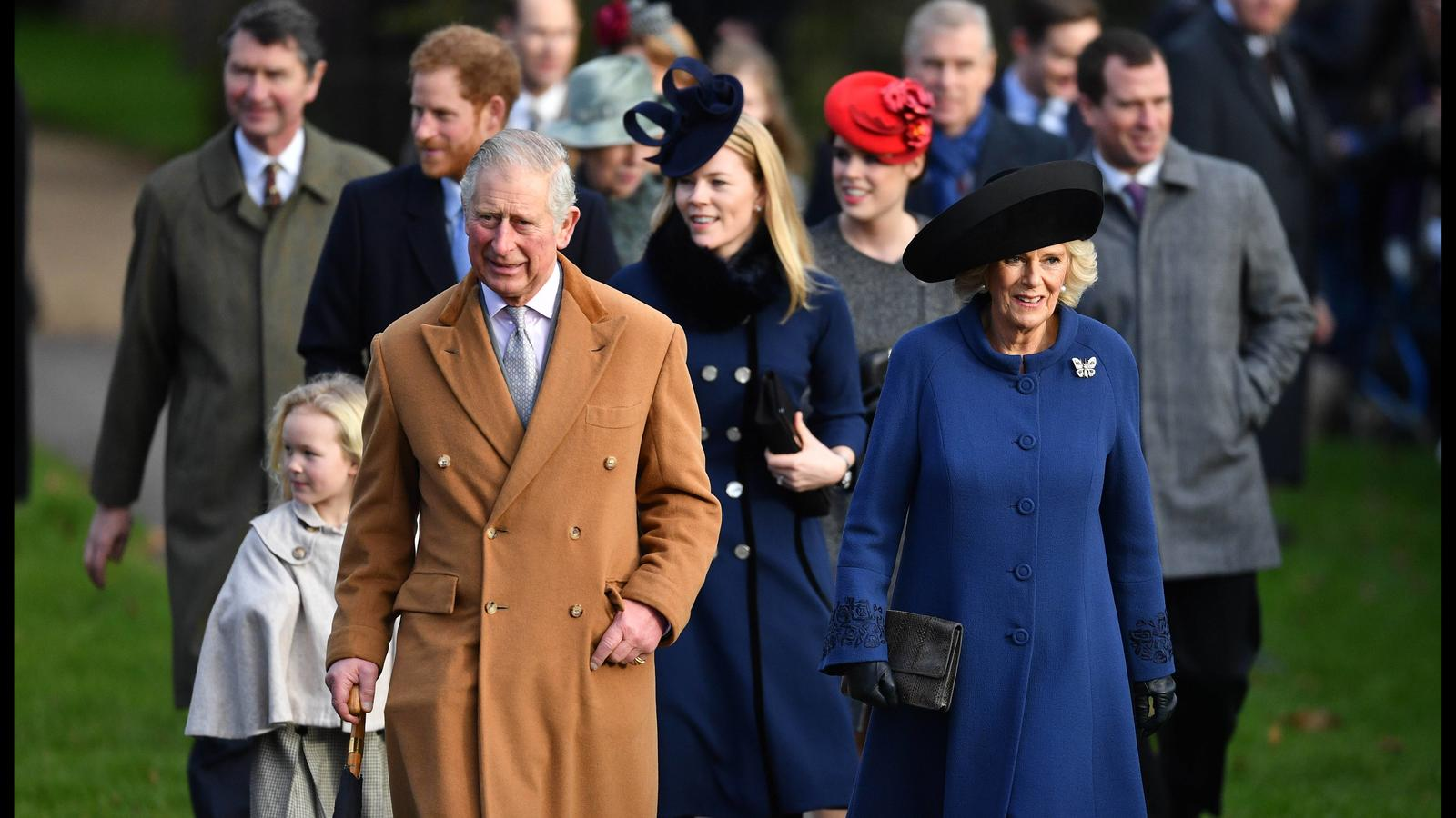 . 25/12/2016. Sandringham, United Kingdom. HM The Queen attends Christmas Day Service. St Mary Magdalene. Members of the Royal Family walk from Sandringham House for the Christmas Day Service at church of St Mary Magdalene, on the Sandringham estate,