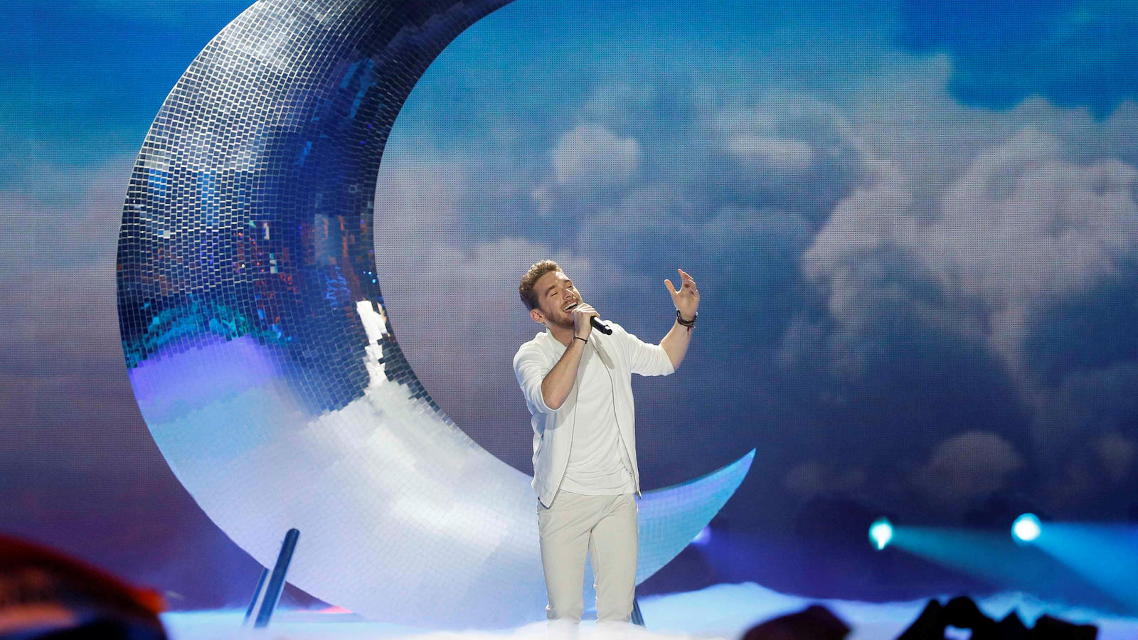 "Austria's Nathan Trent performs the song ""Running On Air"" during the Eurovision Song Contest 2017 Grand Final at the International Exhibi-tion Centre in Kiev, Ukraine, May 13, 2017 REUTERS/Gleb Garanich     TPX IMAGES OF THE DAY"