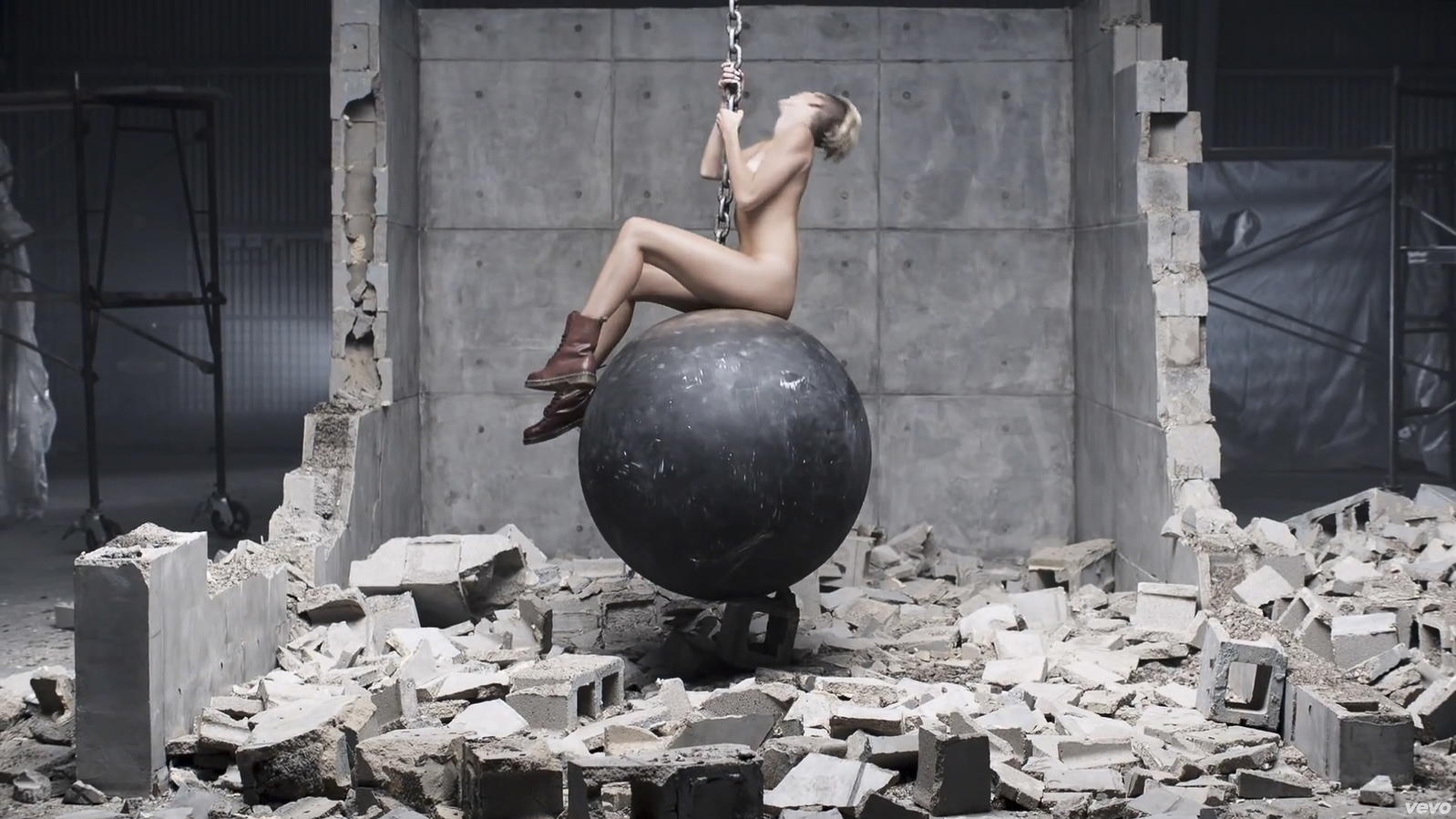 Miley Cyrus: DESHALB reden alle über ihren neuen Song