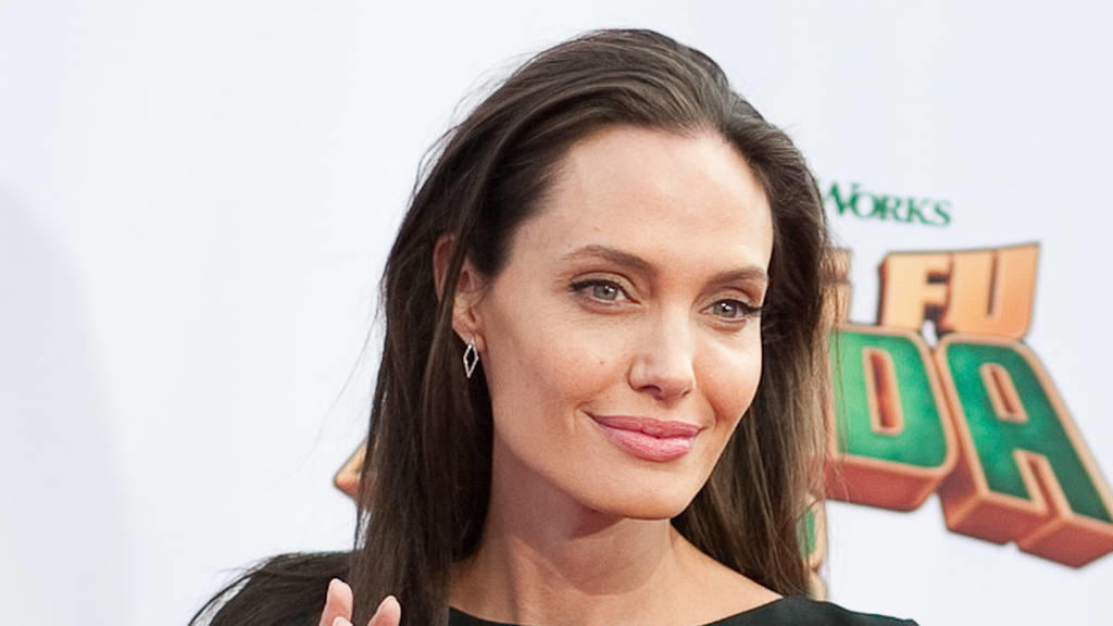 Angelina Jolie vermisst ihre Mutter