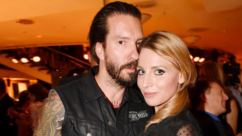Alec Völkel von The BossHoss feiert Hochzeitsparty mit Frau