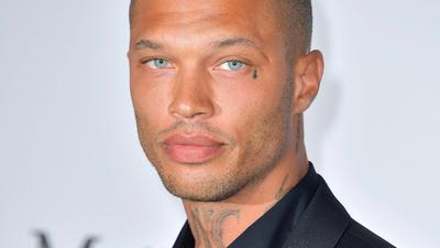 jeremy meeks hei ester ex h ftling ist mit milliard rstochter chloe green zusammen. Black Bedroom Furniture Sets. Home Design Ideas