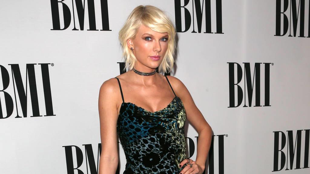 MTV Video Music Awards: Zombie Taylor Swift schlägt um sich