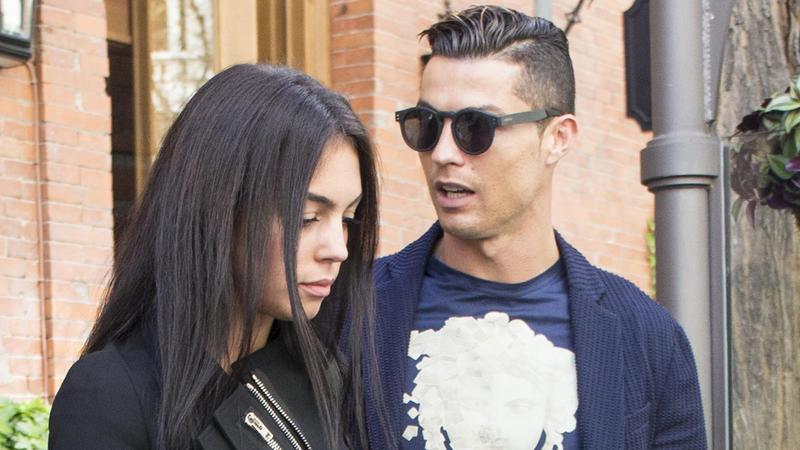 Verbotene Nacktfotos von Ronaldo-Flamme im Netz
