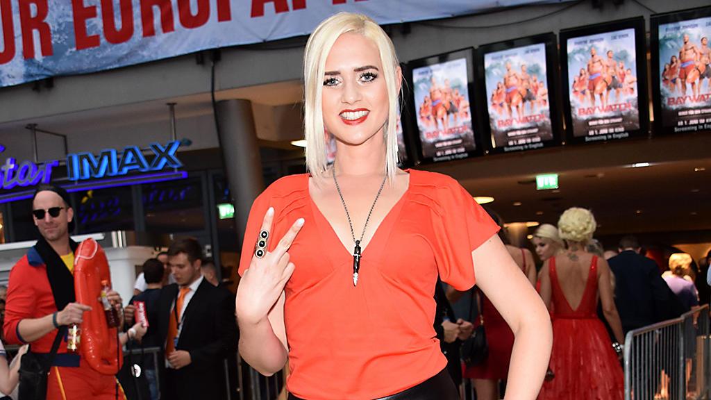 Sarah Knappik zieht sich für den Playboy aus