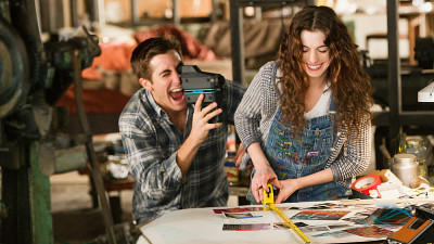 "Hathaway: ""Sexszenen brachten mich zum Weinen"" - 'Love and Other Drugs'"