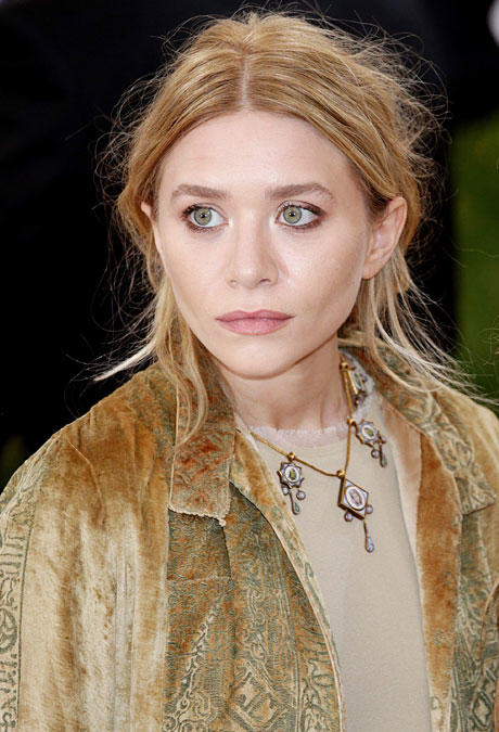 alle infos news zu ashley olsen. Black Bedroom Furniture Sets. Home Design Ideas
