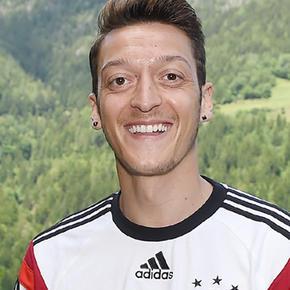 M <b>Mesut Özil</b> - mesut-zil-t2388