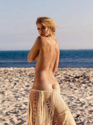 Samara weaving nackt