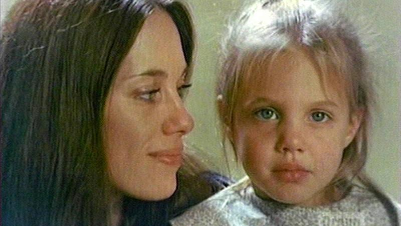 X-Diaries - Mutter erwischt Sohn und Freundin