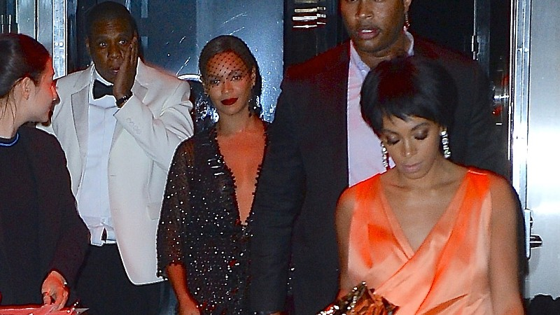beyonce-and-jay-z-party-with-solange-at-met-gala-after-party.png