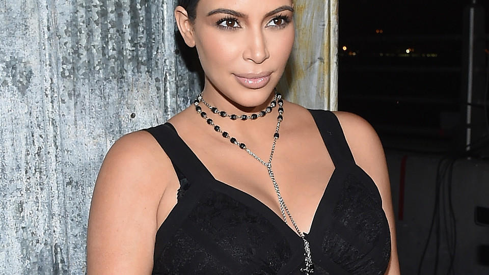 f r kim kardashian ist die schwangerschaft eine qual. Black Bedroom Furniture Sets. Home Design Ideas
