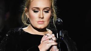 Adele spendet London-Brandopfern Trost