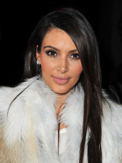 kim kardashian br nett vs blond welche haarfarbe steht ihr besser. Black Bedroom Furniture Sets. Home Design Ideas